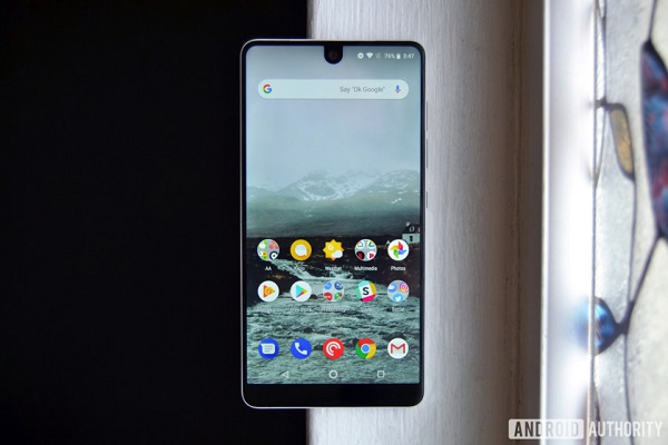 Essential-Phone-review-2018-5-840x560.jpg